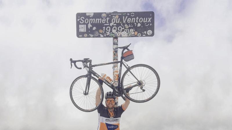 Mont Ventoux beklommen op racefiets